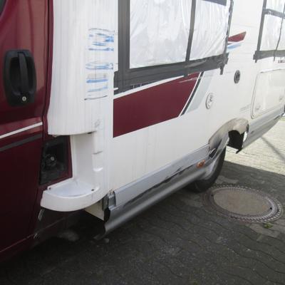 Wohnmobil-Reparatur und Lackierung –