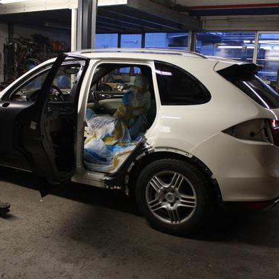 Karosserie-Reparatur und Unfallinstandsetzung